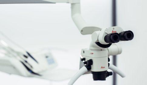 Микроскоп Leica M320 F12 Hi-End + MultiFoc соединяет превосходного качество оптику Leica с новейшим светодиодным освещением и технологиями HD документации. Простота использования и высокая маневренность выгодно дополняют характеристики этого микроскопа. Этой системой Leica Microsystems устанавливает стандарт производства доступного для стоматологии оборудования с целым рядом уникальных преимуществ.